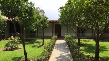 VOULIAGMENI – CENTRALLY AND QUIETLY LOCATED   STUDIO-APARTMENT